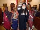 O Πατριάρχης εν μέσω αναγνωστών από τη φυλή των Μασάι (17-2-2013)