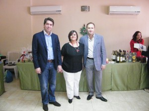 Ο Γενικός Πρόξενος κος Καποδίστριας, ο Πρόεδρος της ΕΚΑ κος Σιόκας και η Πρόεδρος του Συλλόγου Γονέων και Κηδεμόνων κα Ρομπέρτα Μακρή.