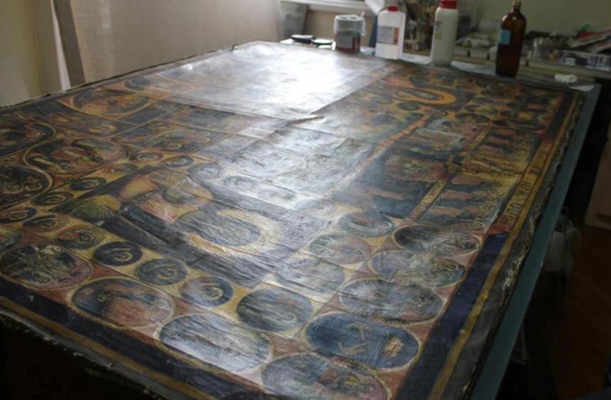 Το ανάγλυφο του πίνακα πριν από τις εργασίες ενίσχυσης του υφασμάτινου φορέα